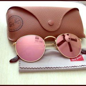 Pink Mirrored Round Ray-Bans